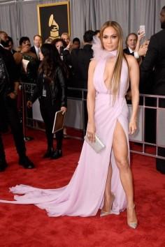 Jennifer Lopez in Ralph & Russo. Grammys 2017. Image source: Vogue Australia